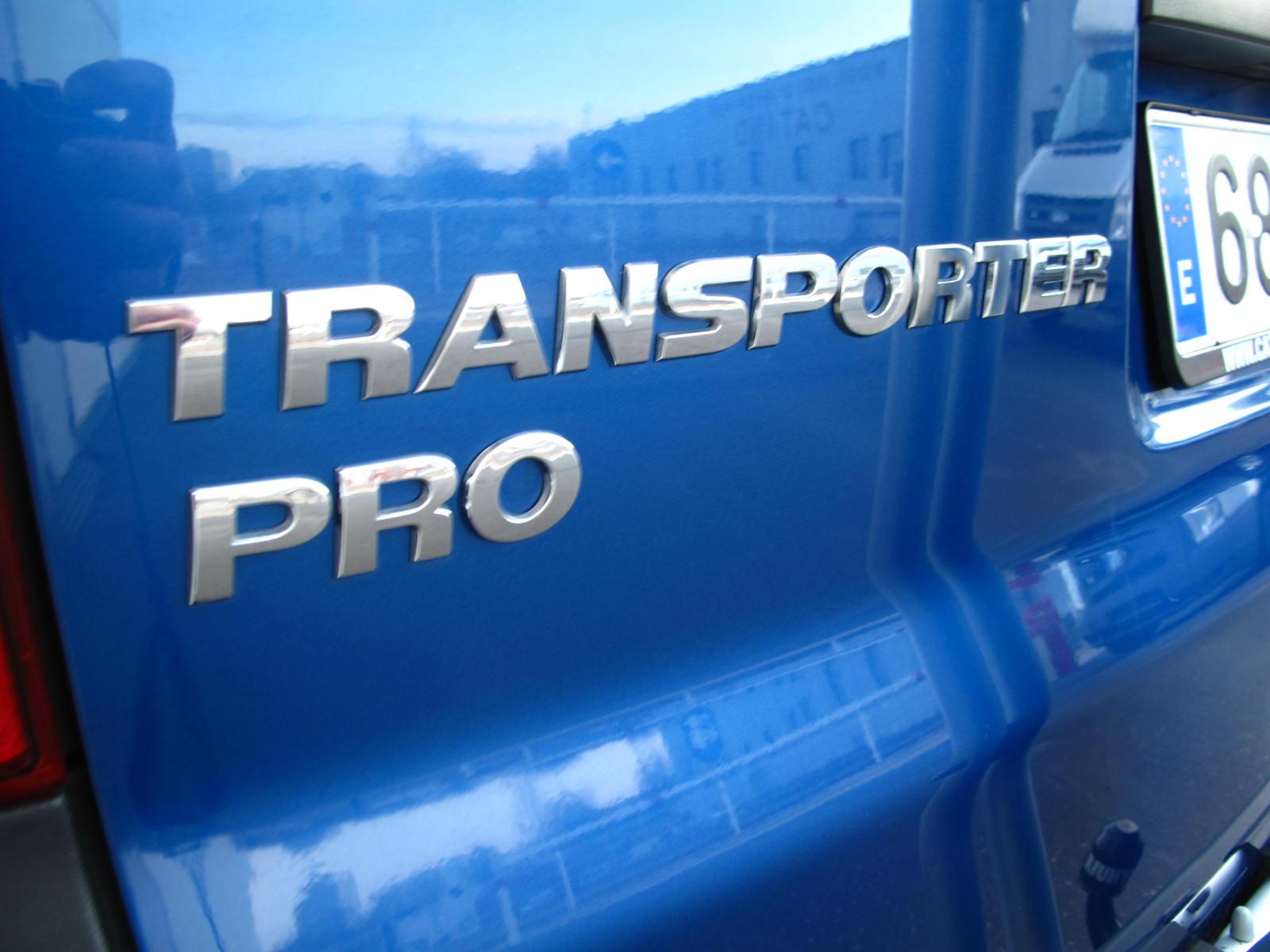 VOLKSWAGEN TRANSPORTER CAT VAN (21)